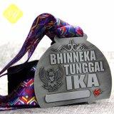 Carnaval de souvenirs personnalisés Award de l'émail Médaille de soccer en alliage de zinc
