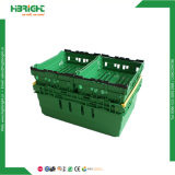 Pile et nid de légumes et fruits de la caisse en plastique