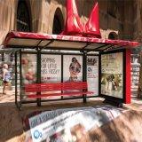 Abrigo al aire libre de la parada de omnibus de los muebles con la tarjeta del anuncio y el rectángulo ligero solar