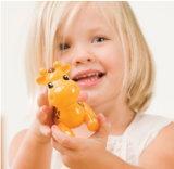 El animal plástico vendedor caliente hecho en fábrica de la jirafa fija el juguete de los niños