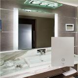 ホテルの電気つけられたFrameless FogfreeのLEDによってバックライトを当てられる浴室ミラー