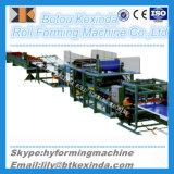 機械を形作る中国Kxdサンドイッチパネルの屋根ふきのパネルロール