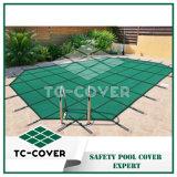 Cubiertas verdes de la piscina de la seguridad del acoplamiento