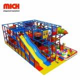 Novo Design crianças playground coberto com slides