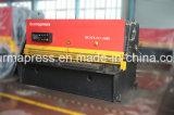 Cortadora hidráulica de la placa del CNC de Durmapress QC12y-8*3200mm con el sistema de E21s, cortadora de la placa de acero