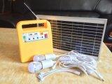 3つのLEDの球根が付いている携帯用10W太陽エネルギーシステム