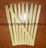木の箸はレストランのディナー・ウェアを使用した