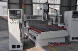 Machine automatique de commande numérique par ordinateur Engarving de modification d'outil avec l'axe rotatoire