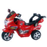 Езда детей на мотовелосипеде 3 колес электрическом