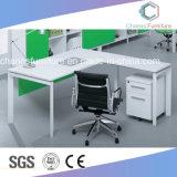 現代オフィスデザインマネージャの机の木のコンピュータ表