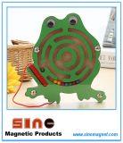 Labyrinthe magnétique en bois d'animaux pour les jouets éducatifs