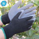 La palma di gomma ha ricoperto i guanti lavora il guanto protettivo del lavoro del lattice