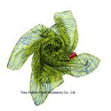 女性はデザイン柔らかい軽量のスカーフを印刷した
