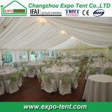 Grande tenda della tenda foranea di cerimonia nuziale del partito con la decorazione piena