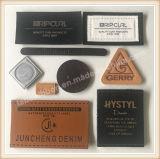 Vários Jeans personalizados de forma impressa Patch de couro castanho