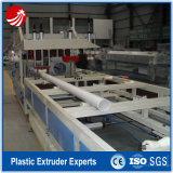 Linha plástica tubulação da água do PVC que faz a máquina