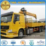 Sinotruk 10 tonnes le chargement de camion avec bras pliable grue télescopique