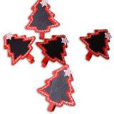Un insieme della clip di legno 4asst di natale 6 con l'albero del cuore della lavagna della stella in azione per la decorazione di natale