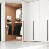 De hoge Glanzende Witte Open Garderobe van de Deur (FY0568)