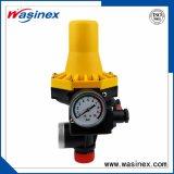 С помощью переключателя регулировки давления 1.5bar регулировки давления