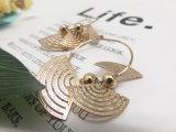 方法宝石類の女性のためのファン形の模造金のイヤリング