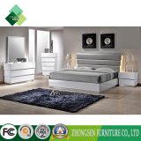 Le Roi italien contemporain Bedroom Furniture Sets de type de personnalisation dans le blanc et laque à haute brillance de ruban avec du bois de chêne