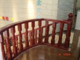 Современная плавая лестница с лестницами деревянного стрингера проступи незримого прямыми