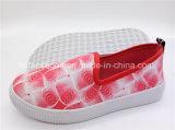 良質の子供の平らな靴の注入のスリップオンのズック靴(ZL1017-11)