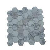 De witte Tegel van het Mozaïek van het Patroon van Carrara Hexagonale
