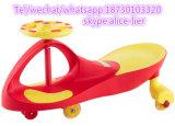 Passeio feliz do carro do balanço do bebê do carro da torção dos miúdos no brinquedo