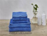 Полотенце стороны хлопка роскошного голубого подарка полотенца установленное с логосом
