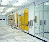 実験室の使用装置が付いているクリーンルーム