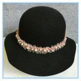 Мода шерсть считает Два голоса колокола Red Hat с цветком