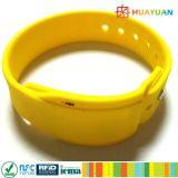 Braccialetto portabile del Wristband NFC del silicone RFID del supervisore di visto della soluzione di pagamento