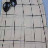 Sciarpa controllata del voile del reticolo, sciarpa a strisce del poliestere per l'accessorio di modo degli scialli delle donne