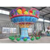 O parque de diversões atraente fruto da máquina de voar cadeira, cadeira de vôo do Giro