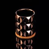 ローズの金によって彫面を切り出される陶磁器の蝋燭の容器