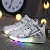 De LEIDENE Lichte Loopschoenen met Enige LEIDEN van het Wiel Licht koelen Schoenen van de Rol van de Flits de Intrekbare voor Mannen en Vrouwen