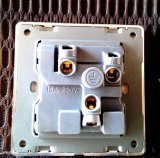 British Standard Blanc 15A Round-Épinglé Switched Socket avec Neon