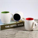 Tazas de cerámica coloridas respetuosas del medio ambiente de la taza con insignia del cliente