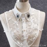 取り外し可能な方法は真珠の衣服のアクセサリが付いているワイシャツの擬似カラーをくり抜く