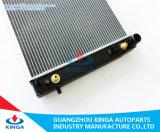 G. M. Commodoer C Radiateur du VX à V8 avec l'aluminium Core et cuve en plastique