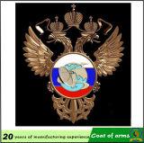 金のワシの形の金属の紋章