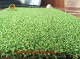 El campo de golf artificial verde campo de hierba natural de la alfombra
