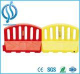 Барьер движения белой желтой красной разделительной стены водоналивной
