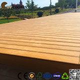 Decking extérieur de piscine du bois de construction en bois antidérapant WPC de côté