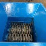 Desfibradora plástica. Máquina doble de la desfibradora del eje, reciclando la máquina de la desfibradora