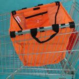 Uso del sacchetto del carrello della drogheria del supermercato per promozionale o acquisto