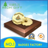 Divisa de encargo del botón del bastidor del oro de la multa de la alta calidad