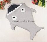 赤ん坊の総括的な赤ん坊の静かに青は慰めのたくわえの赤ん坊の居心地のよく及び暖かい赤ん坊の鮫の形デザイン毛布のために総括的な余分を厚く包む